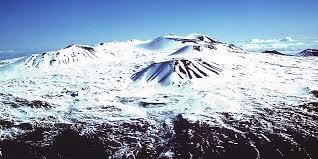 Mauna-Kea-Summit-in-winter